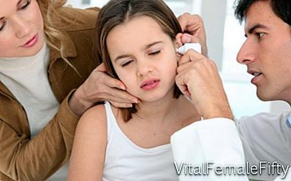 What are the symptoms of mumps