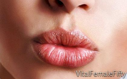 How to hide the wrinkles around your lips