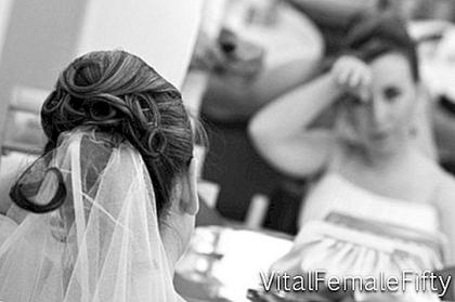 How to Save When Choosing a Wedding Dress